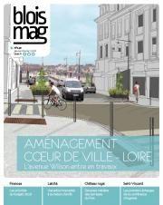 En couverture du Blois mag 140 (janvier-février 2018), une illustration mi-dessinée mi-photographiée de la future avenue Wilson, montrant les grands trottoirs, un cycliste, des places de stationnement et des espaces végétalisés. Le pont Jacques-Gabriel est visible en arrière-plan.