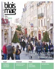 En couverture du Blois mag 143 (mai 2018), une photo de la rue du commerce, empruntée par des dizaines de personnes à pied.