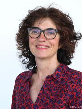 Portrait d'Hélène Menou.
