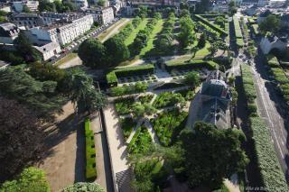 Vue aérienne des jardins du Roy.