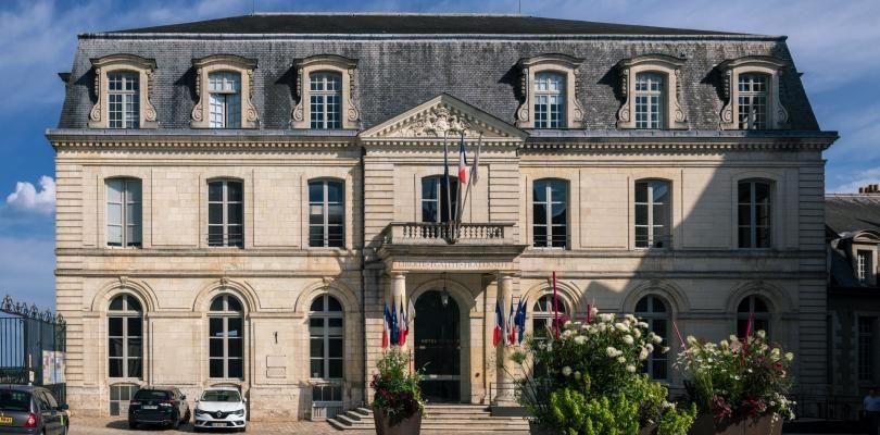 Façade de l'Hôtel de Ville, depuis la cour intérieure.