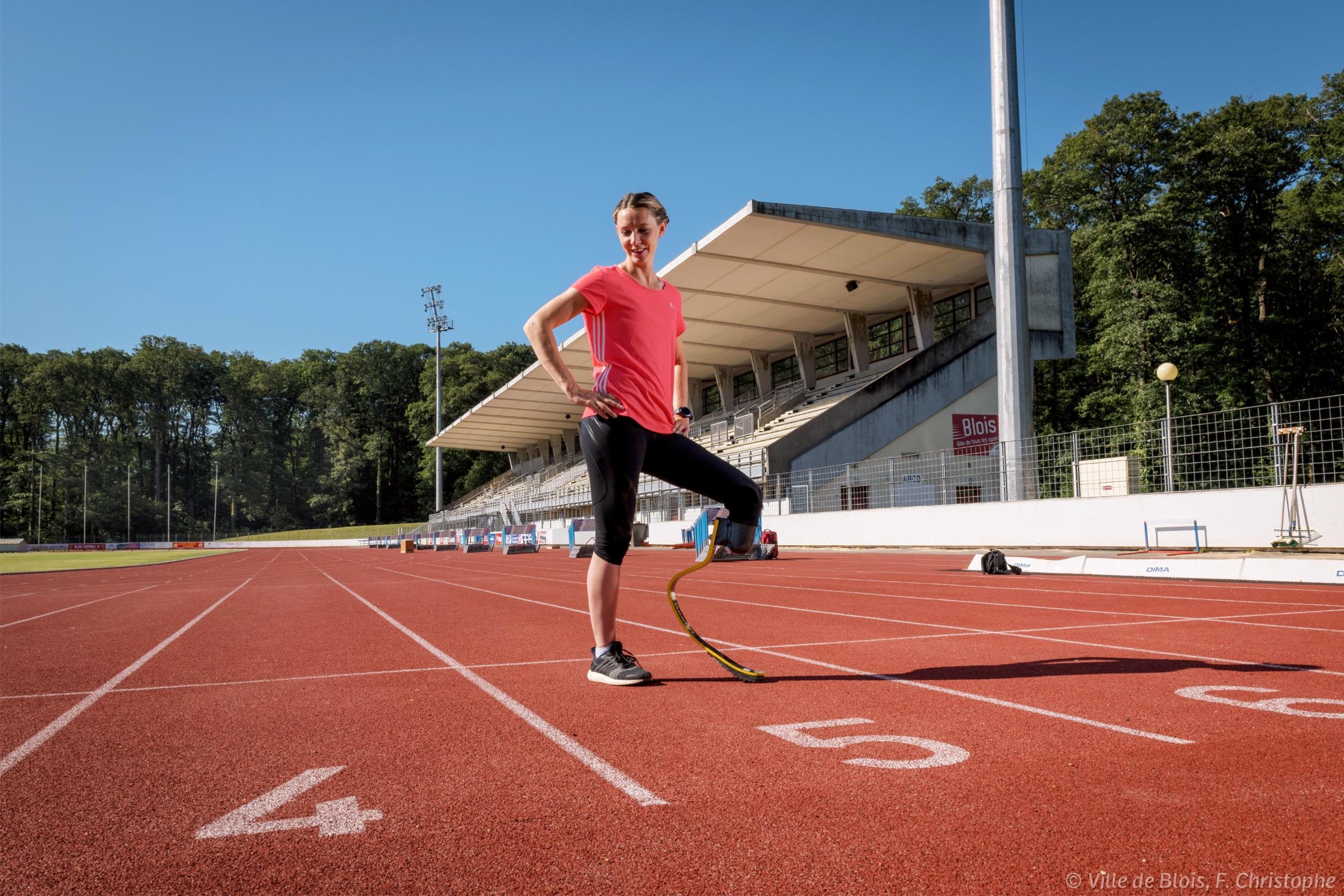 Portrait de Marie-Amélie Le Fur, sportive de haut niveau spécialisée dans l'athlétisme handisport catégorie T4 (prothèse).