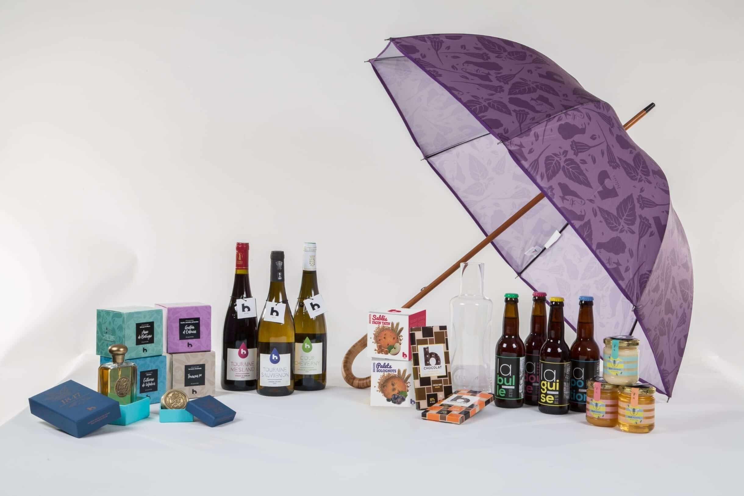 Gamme des produits b-blois : parfum, infusions, vin, parapluie, biscuits, chocolat, bière et miel.