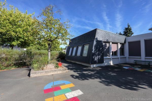 Cour de récréation de l'école Charcot.